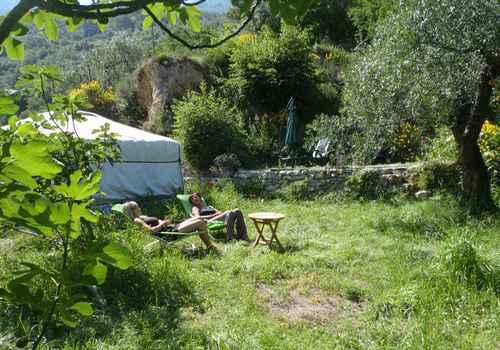 yourtes-insolites-montagnes-Breil-sur-roya-pac